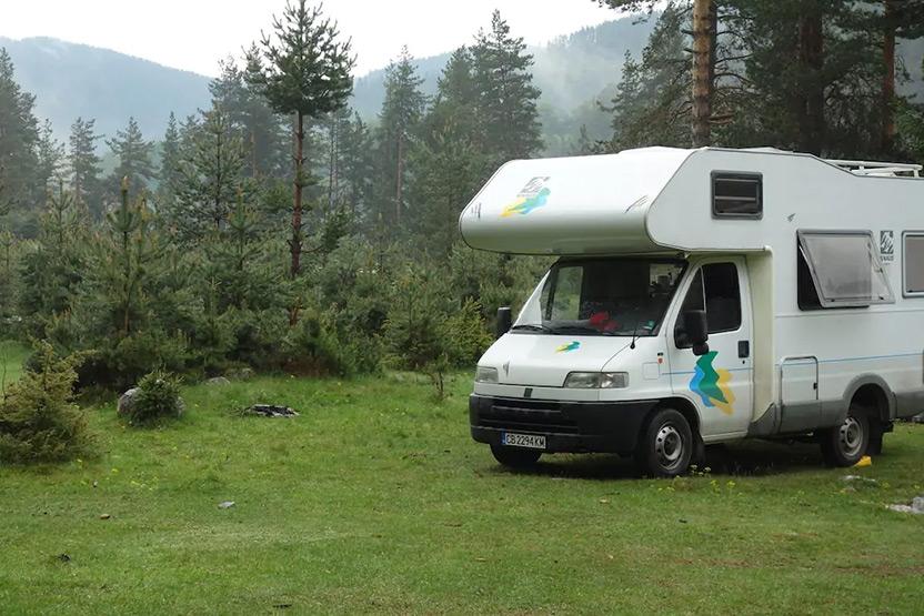 ערב ראש השנה האזרחית – מקומות אירוח מיוחדים The Beluga Camper Motorhome for 4 persons in Sofia 1