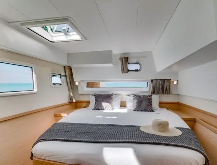 Private room in boat Limassol Marina ערב ראש השנה האזרחית - מקומות אירוח מיוחדים